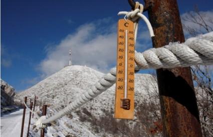 Na Velebitu pao prvi snijeg