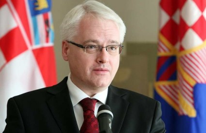 Ivo Josipović se lagano distancira od SDP-a