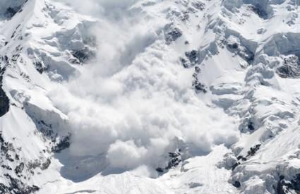 Lavina je zatrpala alpiniste