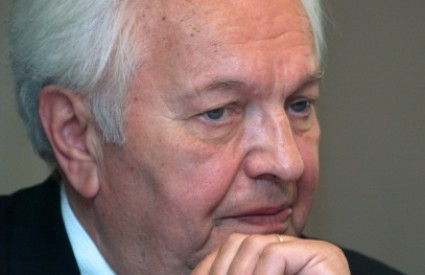 Zvonimir Šeparović kaže da hrvatski predsjednik nije mjerodavan za povlačenje tužbe protiv Srbije