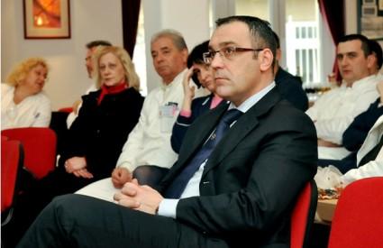 Riječki dekan Alan Šustić zadovoljan je brojem liječnika koje fakulteti 'proizvedu'