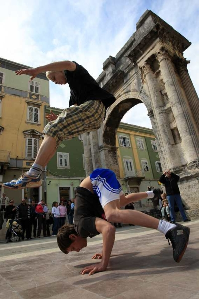 Breakdanceri Zdravlje Travnja Galerije