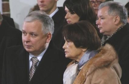 Jadwiga (s Lechom, 2005) još ne zna da joj je sin poginuo u zrakoplovnoj nesreći
