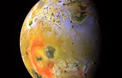 Ija mjesec Jupiter svemir