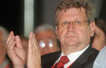 Ministar Mrsić brije na optimizam