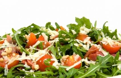Na salatu ne idu nemasni preljevi