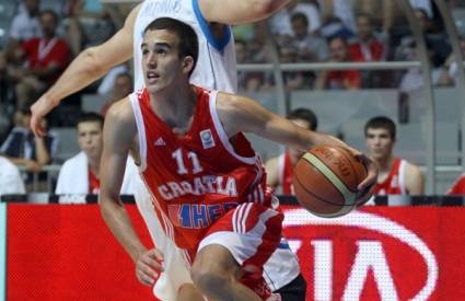 Ivan Batur u napadu