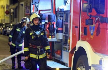 Vatrogasci dva puta gasili silos u Đakovu