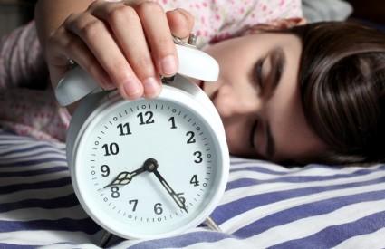 Ustanite čim alarm zazvoni