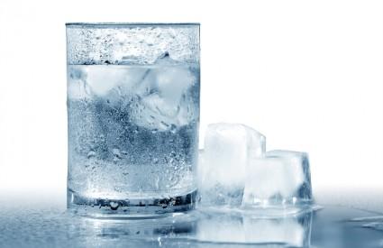 Pomaže li voda pri mršavljenju?