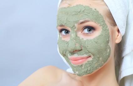 Nanesite nešto prirodno na kožu