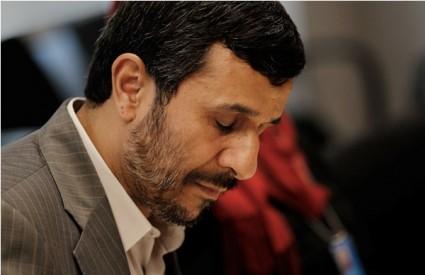 Ahmadinejad prkosi svijetu