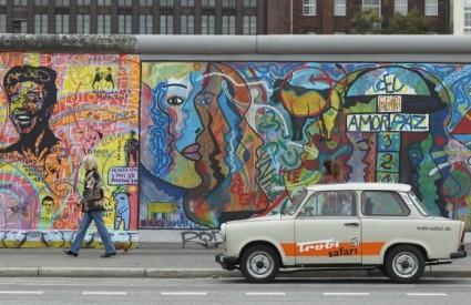 20 godina nakon ujedinjenja istok Njemačke je puno siromašniji