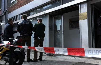 Na hrvatski konzulat u Düsseldorfu bačena dva molotovljeva koktela