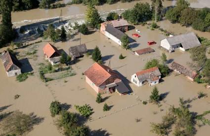 Nastavlja se sanacija poplavljenih područja