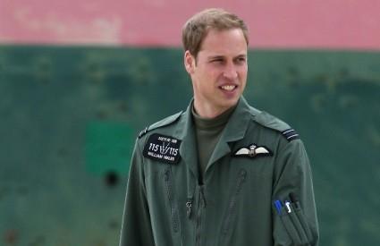 Princ William se zaručio