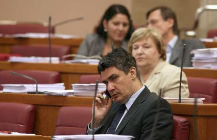 Referendum o ZOR-u: Oporba i SDSS protiv zaključka Odbora za Ustav