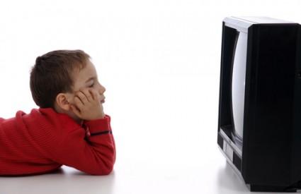 Djeca ne bi smjela imati TV u spavaćoj sobi