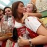 Otvoren Oktoberfest 2010. - pivo je uvijek u modi