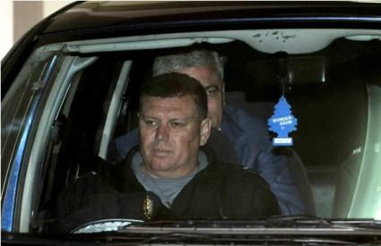 Mladen Barišić iza pravosudnog policajca