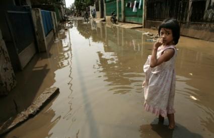 Nevrijeme i poplave pogodile Indoneziju i Vijetnam