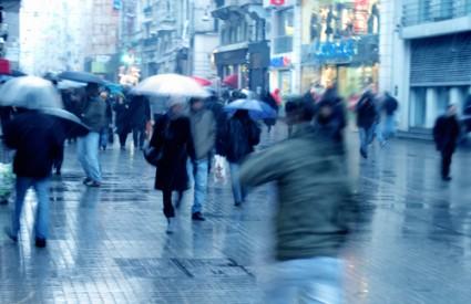 Topao vikend s kišom