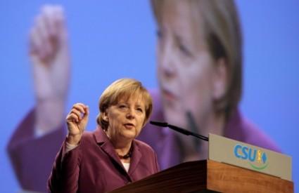Angeli Merkel je dosta SAD