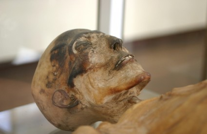 Boli vas glava? Malo praha od mumije i vi ste OK :)