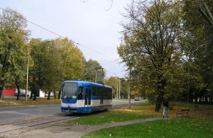 Renovirani osječki tramvaj