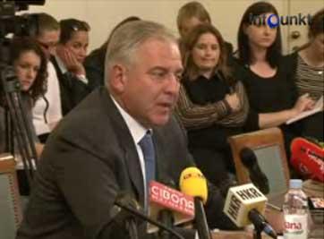 Ivo Sanader zamutio vode naftom