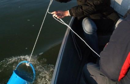 Uzorci vode iz Dunava