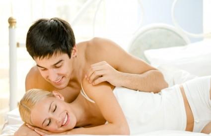 Prvi seks: odgovori na njena pitanja