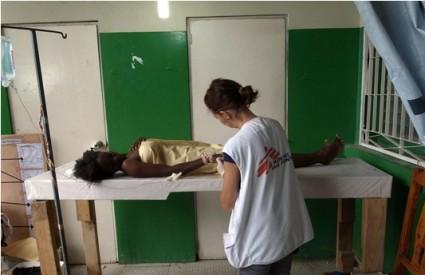 Haiti: 900 ljudi umrlo od kolere