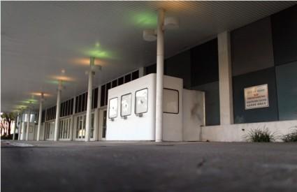 Ulaz u nekadašnji Dinner Key Auditorium gdje je Morrison uhićen zbog profanacije