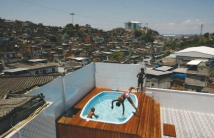 Pogled na favelu iz kuće narko-bossa Pezãa