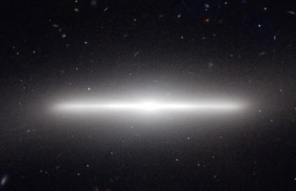 Galaksija NGC 4452