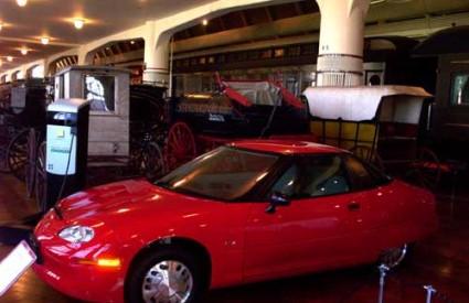 Električni automobili nesnosno zuje