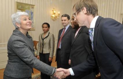 Kosor s članovima misije MMF-a