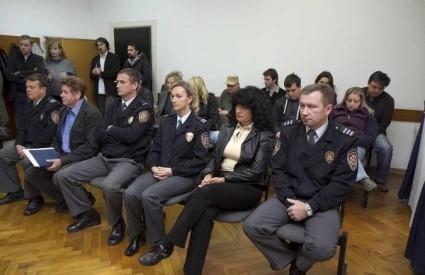 Višnja i Zdravko Pevec na sudu