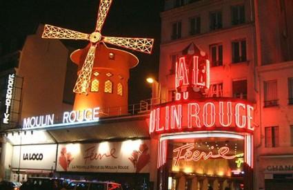 Što Mujo radi u Parizu
