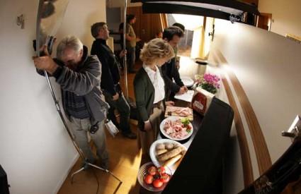 Scena sa snimanja nove kampanje za PIK šunke