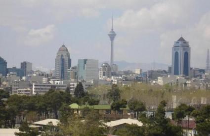 Teheran se digao na noge