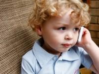 Kada djetetu kupiti prvi mobitel