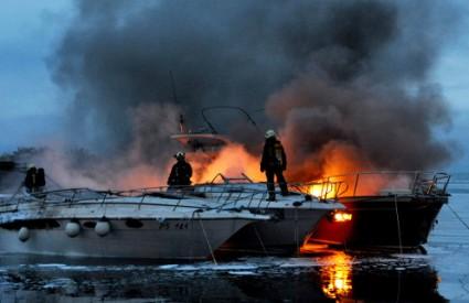 požar na brodici