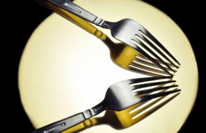 Praznim tanjurom za zdravlje