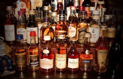 Država bi trebala propisati minimalnu cijenu alkohola