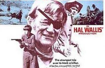 John Wayne s povezom za oko