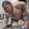 Jedan dan u životu 3-godišnjaka koji ima 60 kg