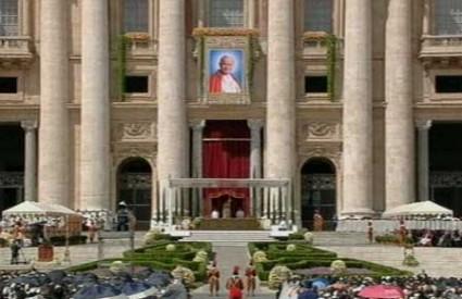 Prvi puta u tisuću godina papa je svog prethodnika proglasio blaženikom