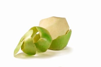 Jabuke treba obavezno oguliti